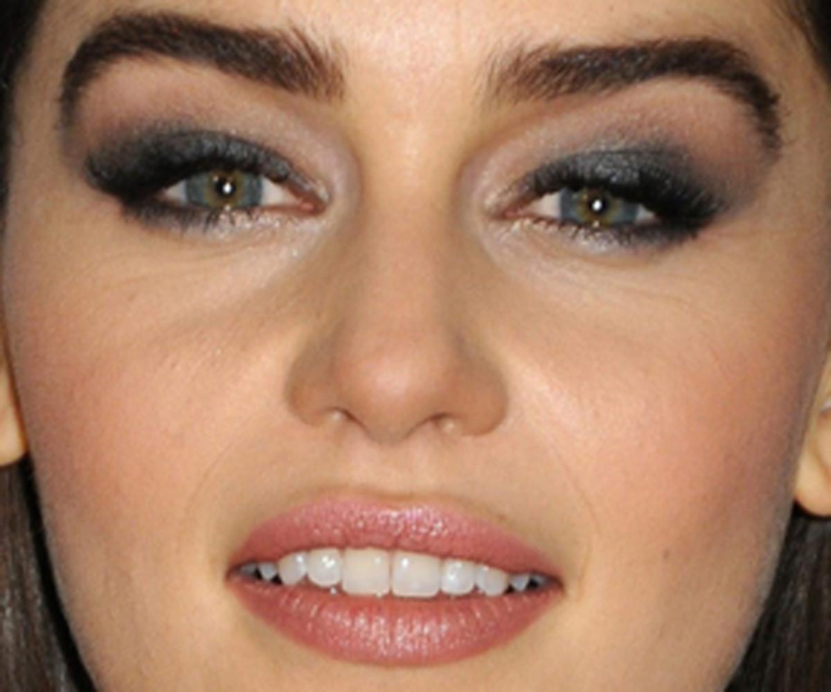 Emilia Clarke - Game of Thrones Season 3 premiere, March 2013 - close-up