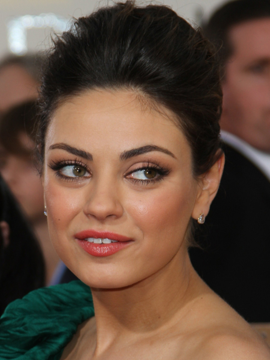 Mila Kunis - Golden Globes 2011