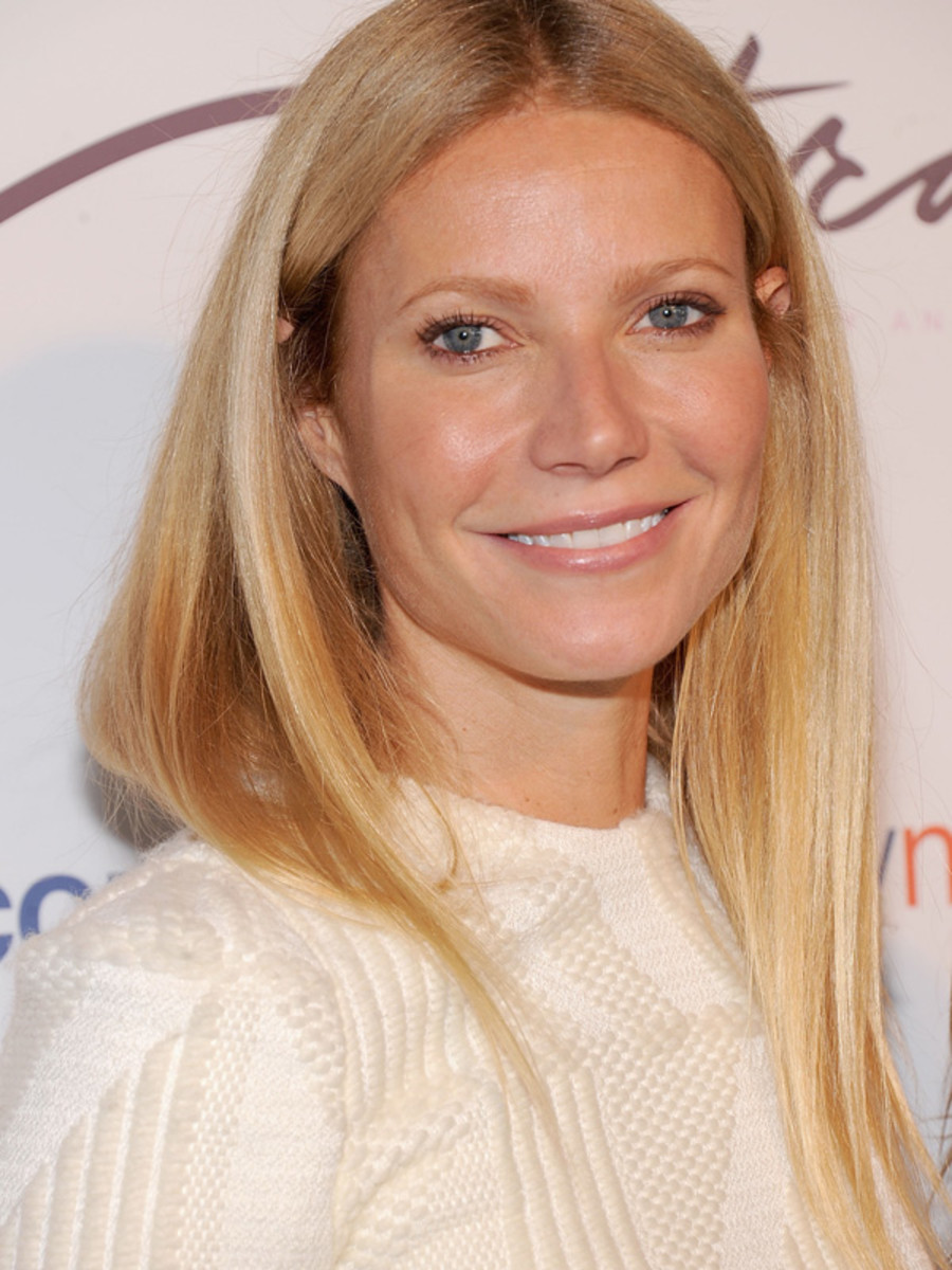 Gwyneth Paltrow - The Tracy Anderson Method Pregnancy Project, October 2012