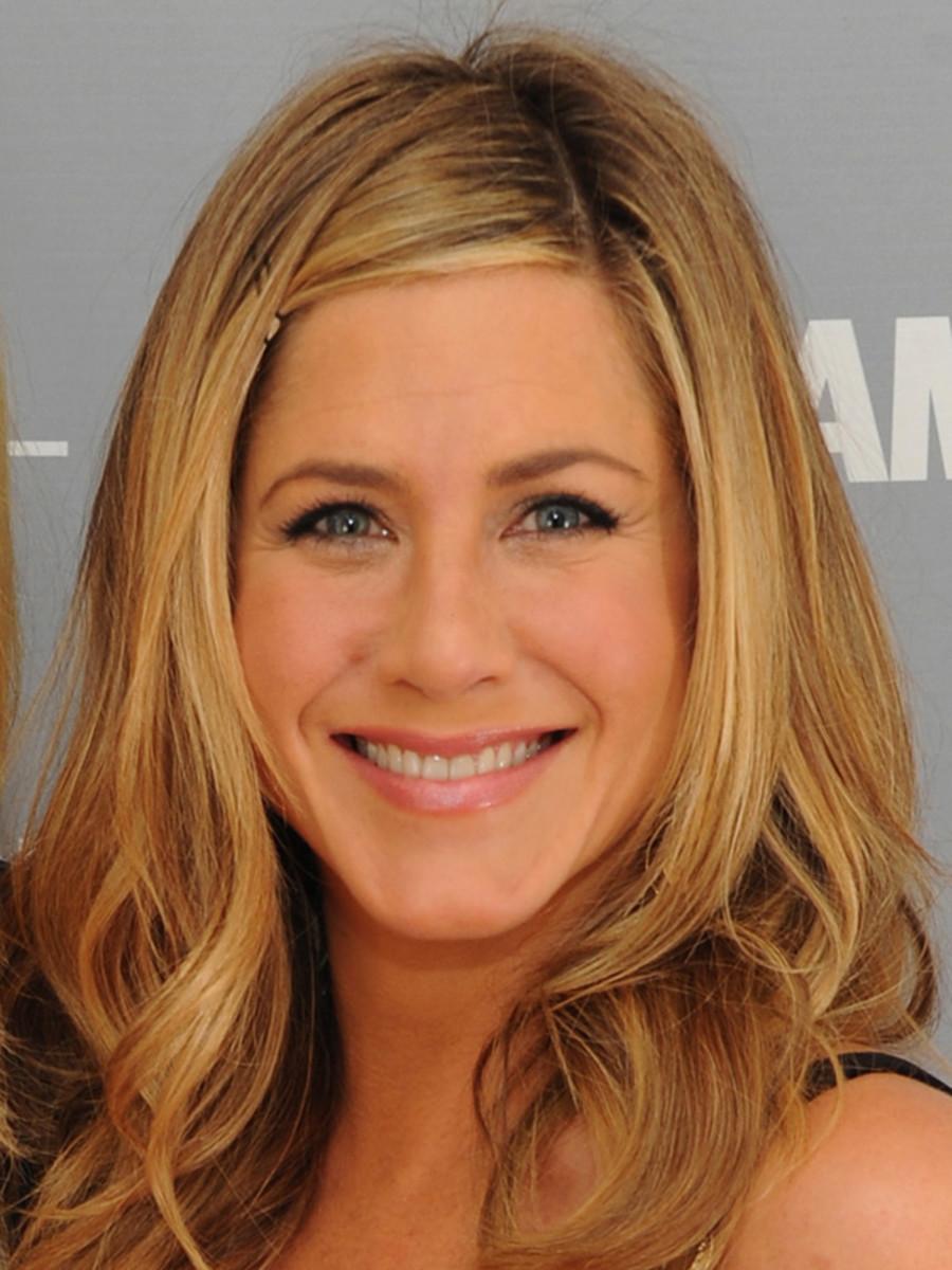 Jennifer-Aniston-Glamour-Women-of-the-Year-Awards-2011