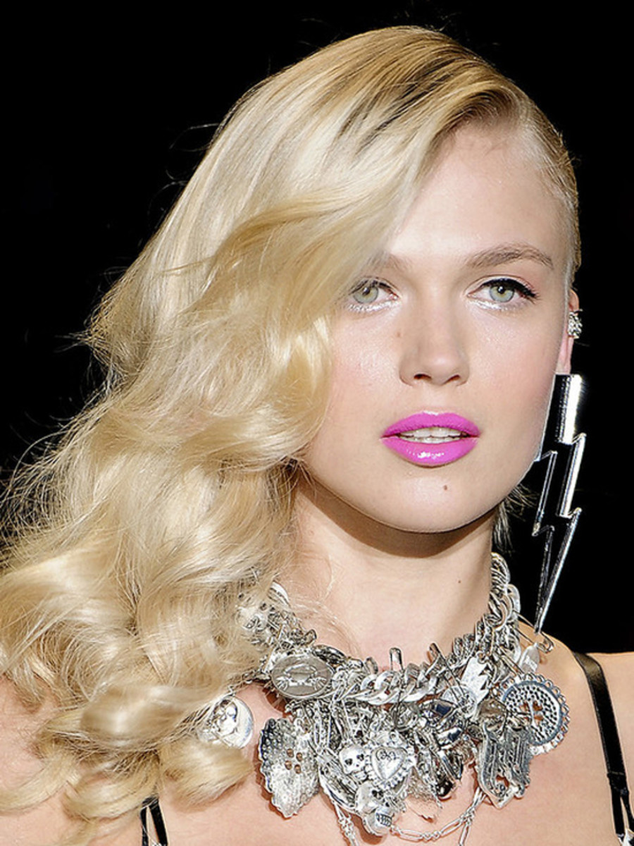 Betsey Johnson - Spring 2012 makeup