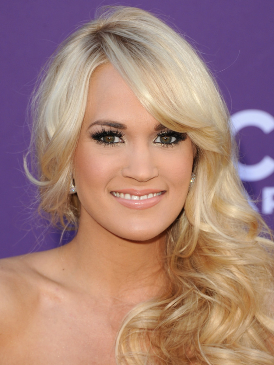 Carrie-Underwood-ACM-Awards-2012