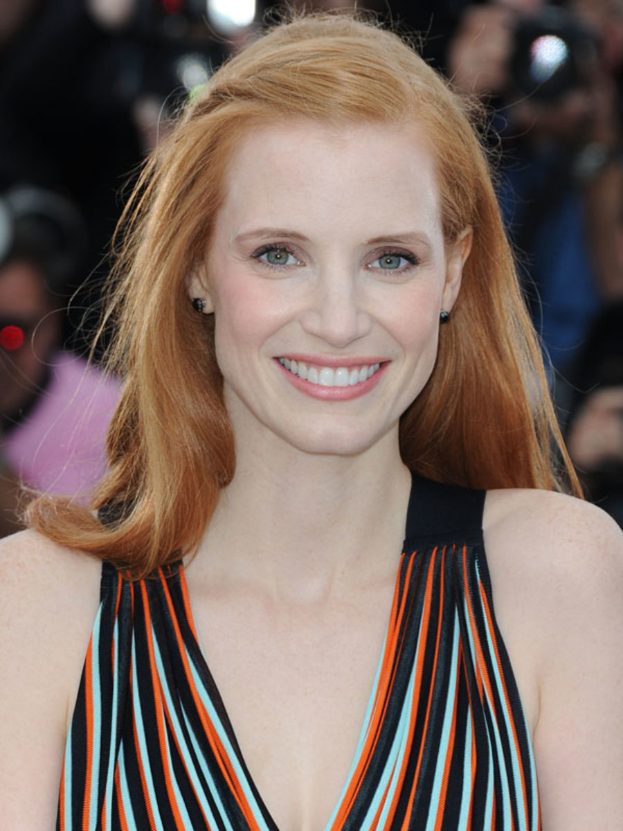 Jessica-Chastain-Lawless-photocall-Cannes-2012