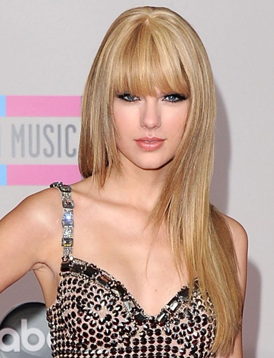 Taylor-Swift-2010-AMAs