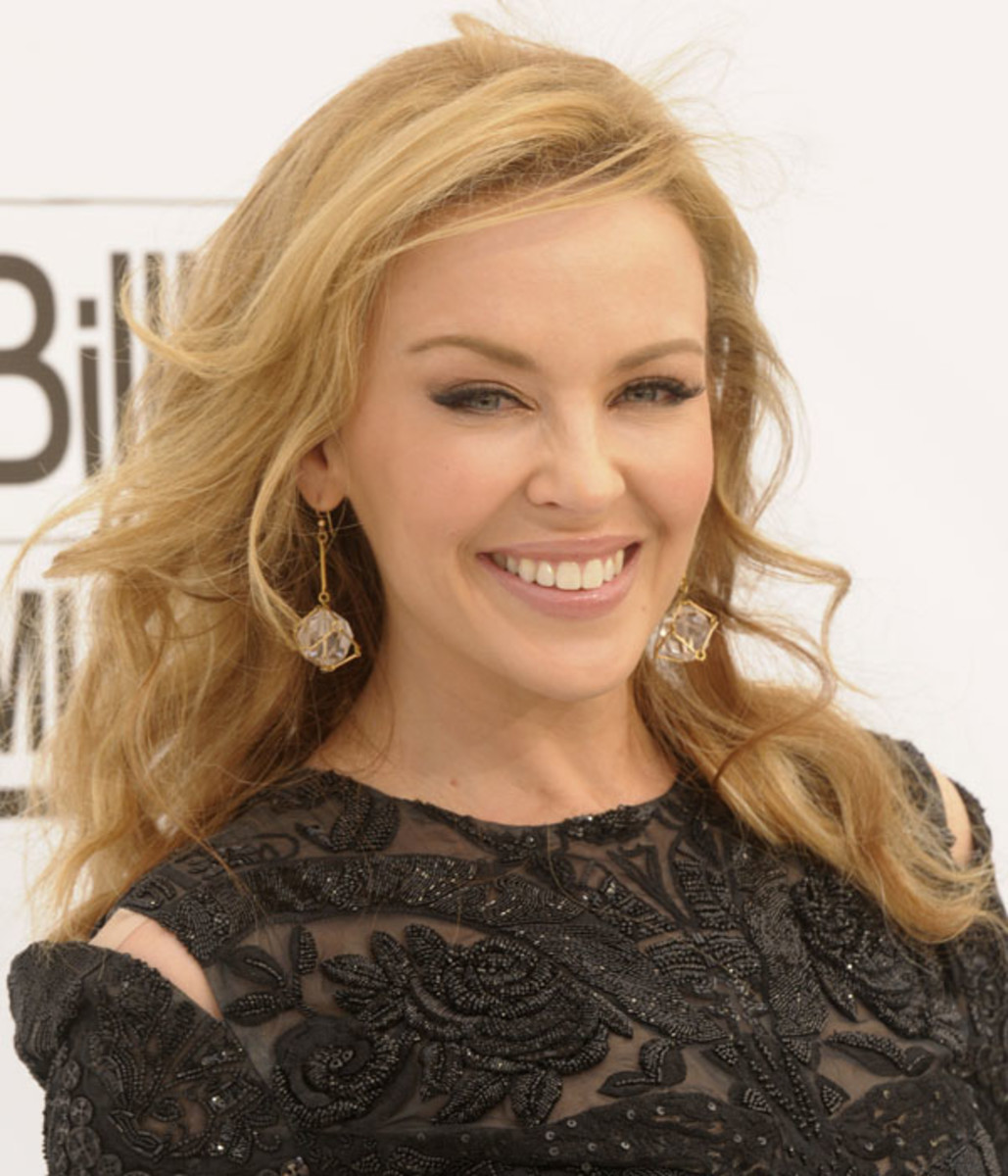 Kylie-Minogue-Billboard-Music-Awards-2011