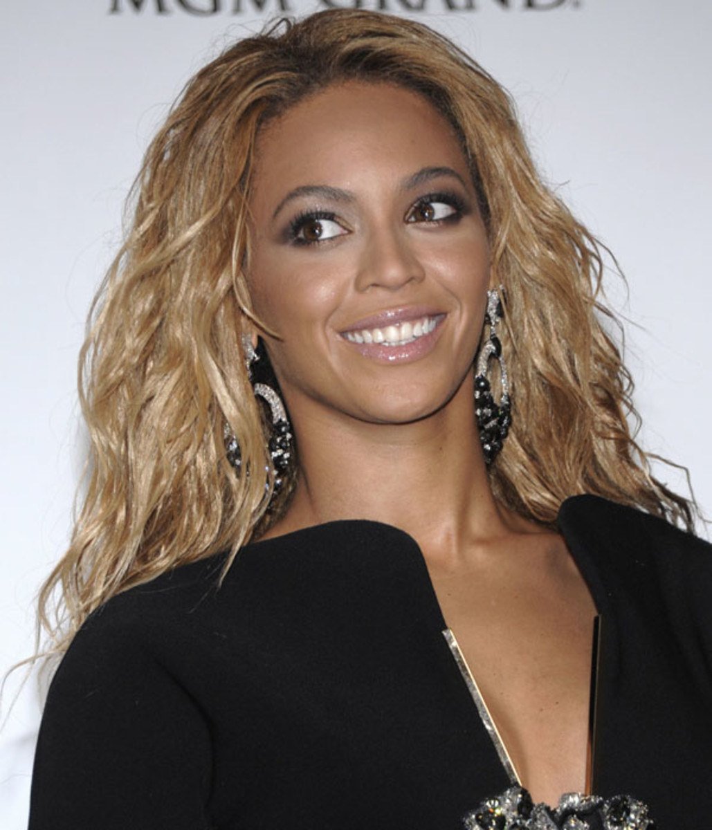 Beyonce-Billboard-Music-Awards-2011