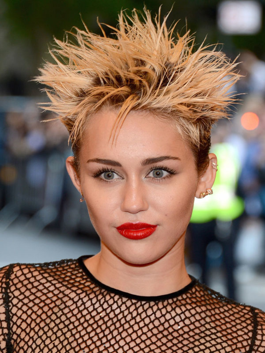 Miley Cyrus - Met Ball 2013