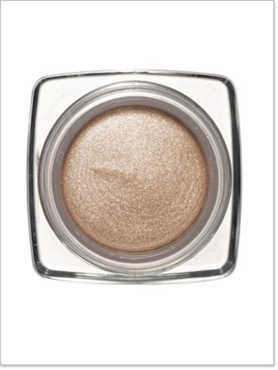 Dior-Ultra-Shimmering-Eyeshadow-in-Undressed-Beige