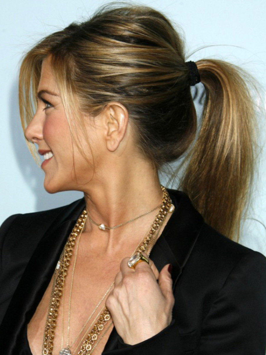 Jennifer Aniston ribbon hair tie