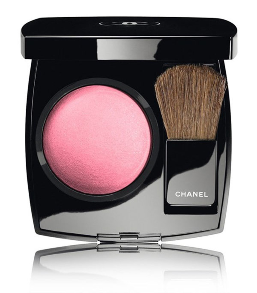 Chanel Joues Contraste Powder Blush in Pink Explosion