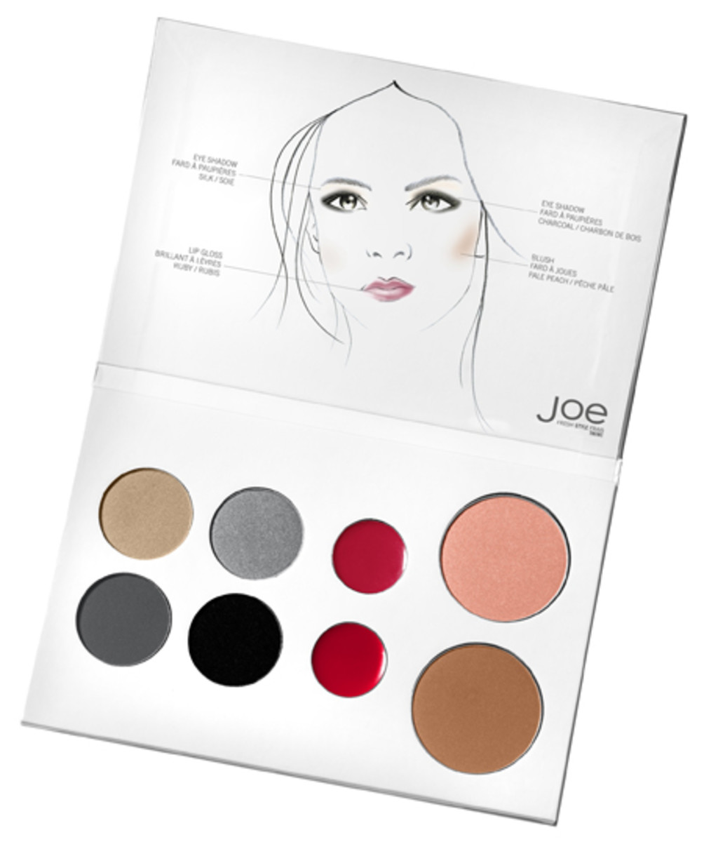 Joe-Fresh-5-Minute-Holiday-Face-Palette
