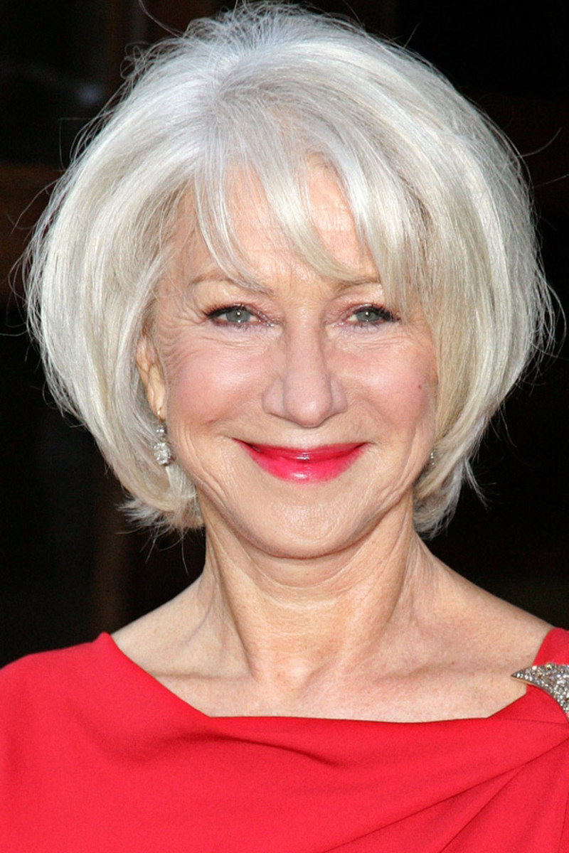 How to keep foundation from settling in wrinkles - Helen Mirren