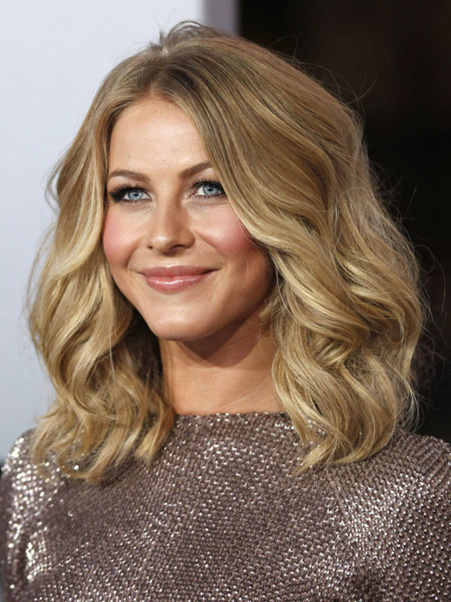 Peoples-Choice-Awards-2012-Julianne-Hough