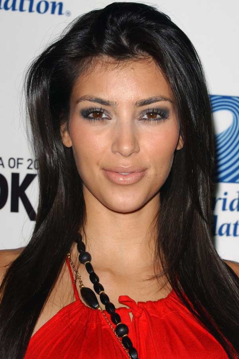Kim Kardashian - Living Room Surfrider party, 2006