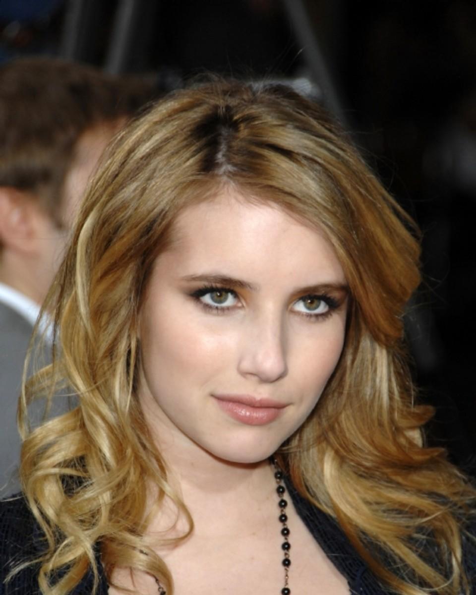 Emma-Roberts-blonde
