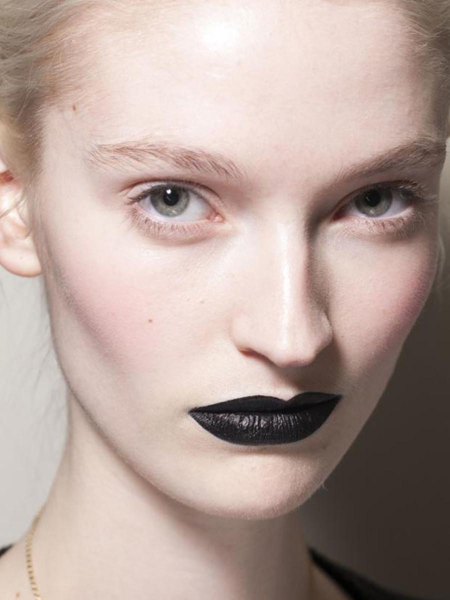 Moschino Cheap & Chic - Fall 2013 makeup