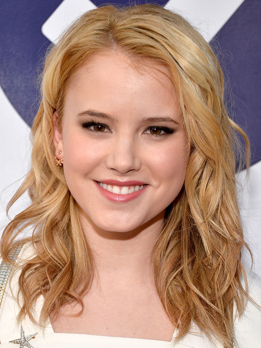 Taylor Spreitler, People's Choice Awards, 2014