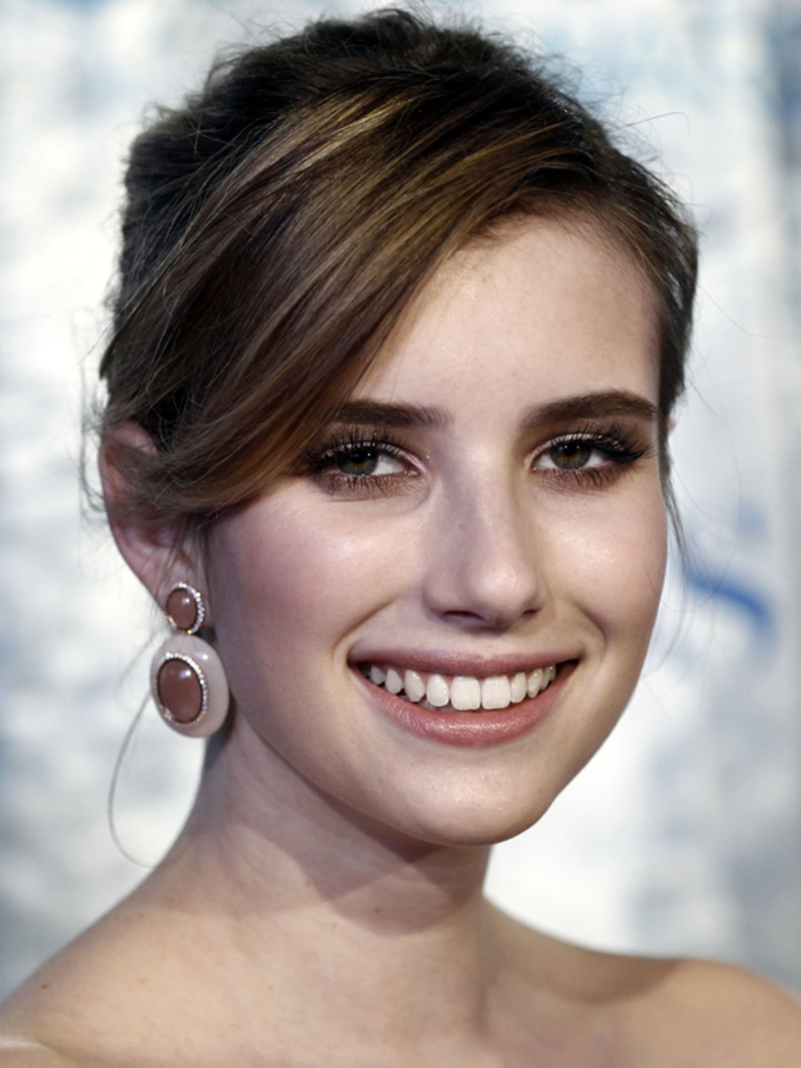Emma-Roberts-Peoples-Choice-Awards-Jan-2011