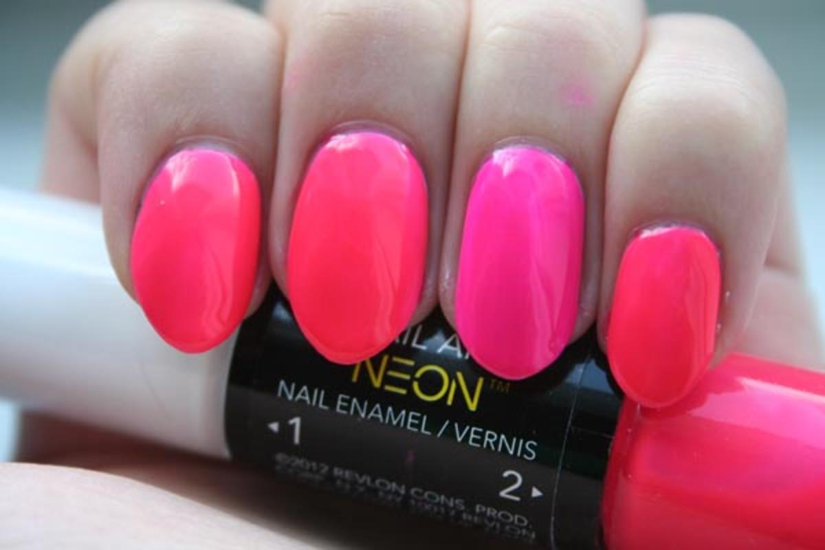 Revlon Neon Killer-Watt Pink Glow