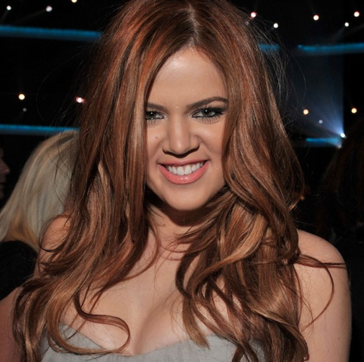 Khloe-Kardashian-Peoples-Choice-Awards-Jan-2011