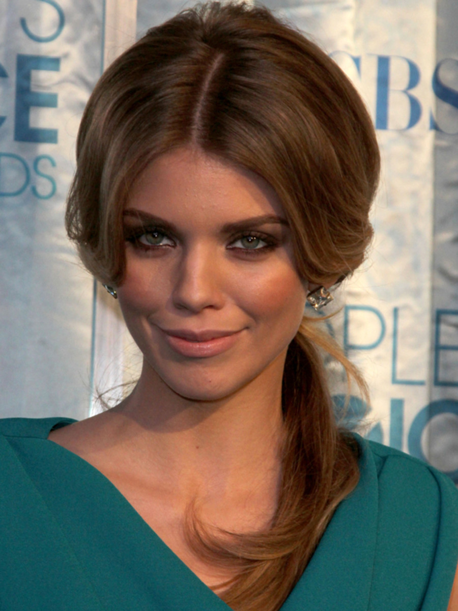 AnnaLynne-McCord-Peoples-Choice-Awards-Jan-2011