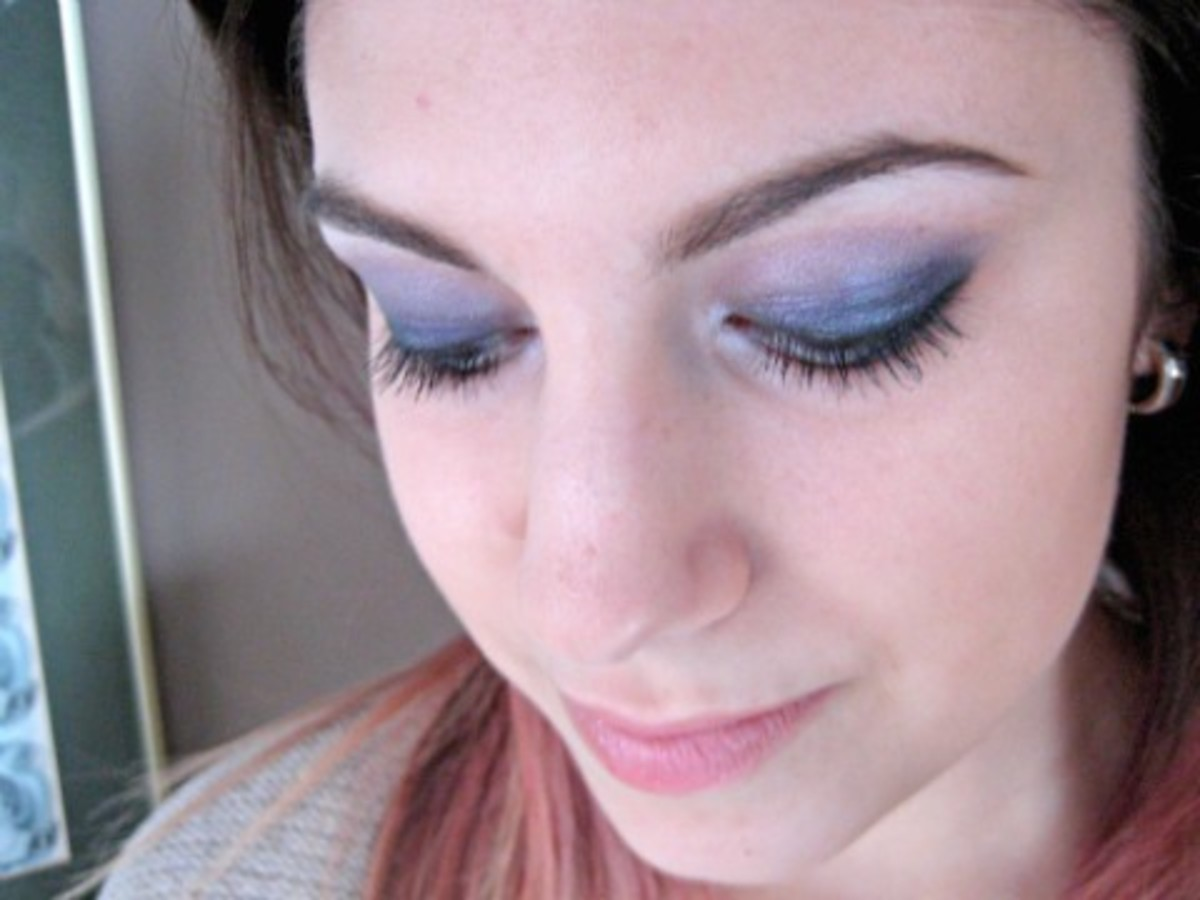 Rikki - Make Up For Ever eyeshadow - closed
