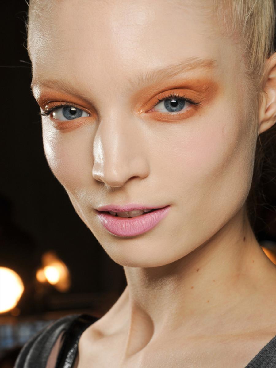 Donna Karan - Fall 2011 makeup