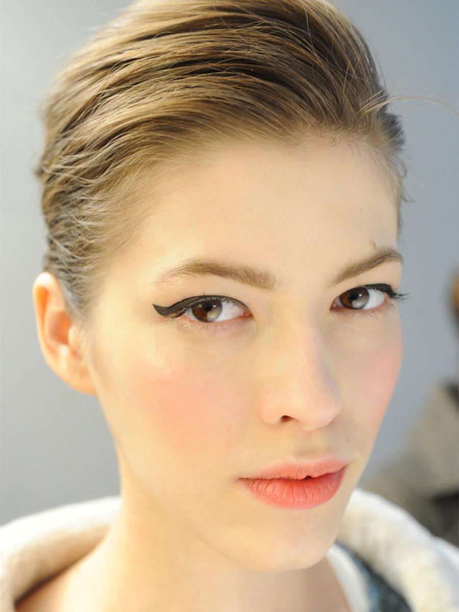 Moschino - Fall 2012 makeup
