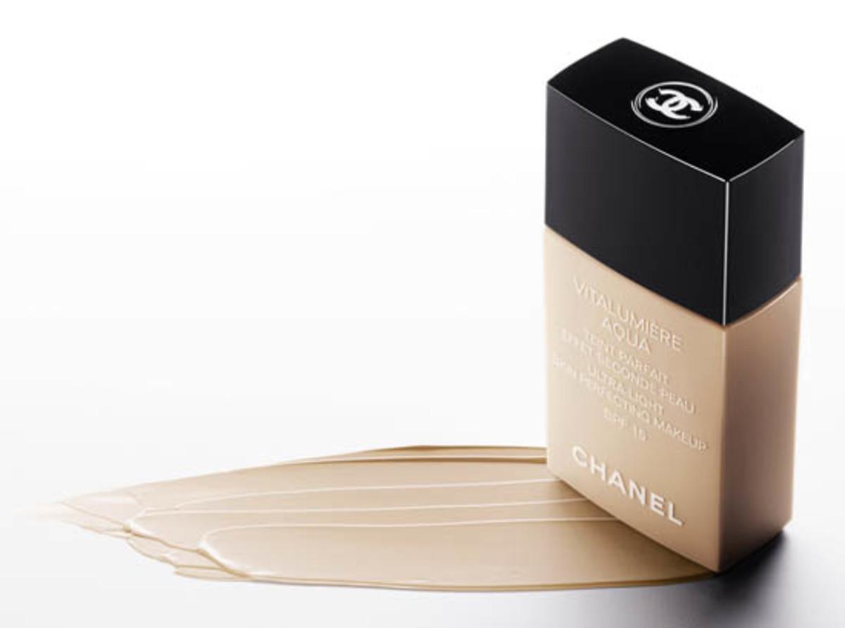 Chanel-Vitalumiere-Aqua-Foundation