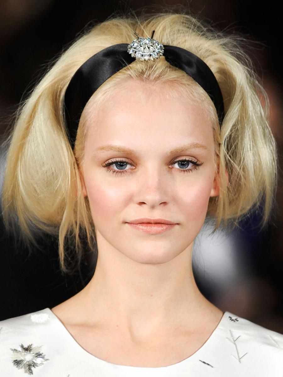 Oscar de la Renta - Fall 2012 hair