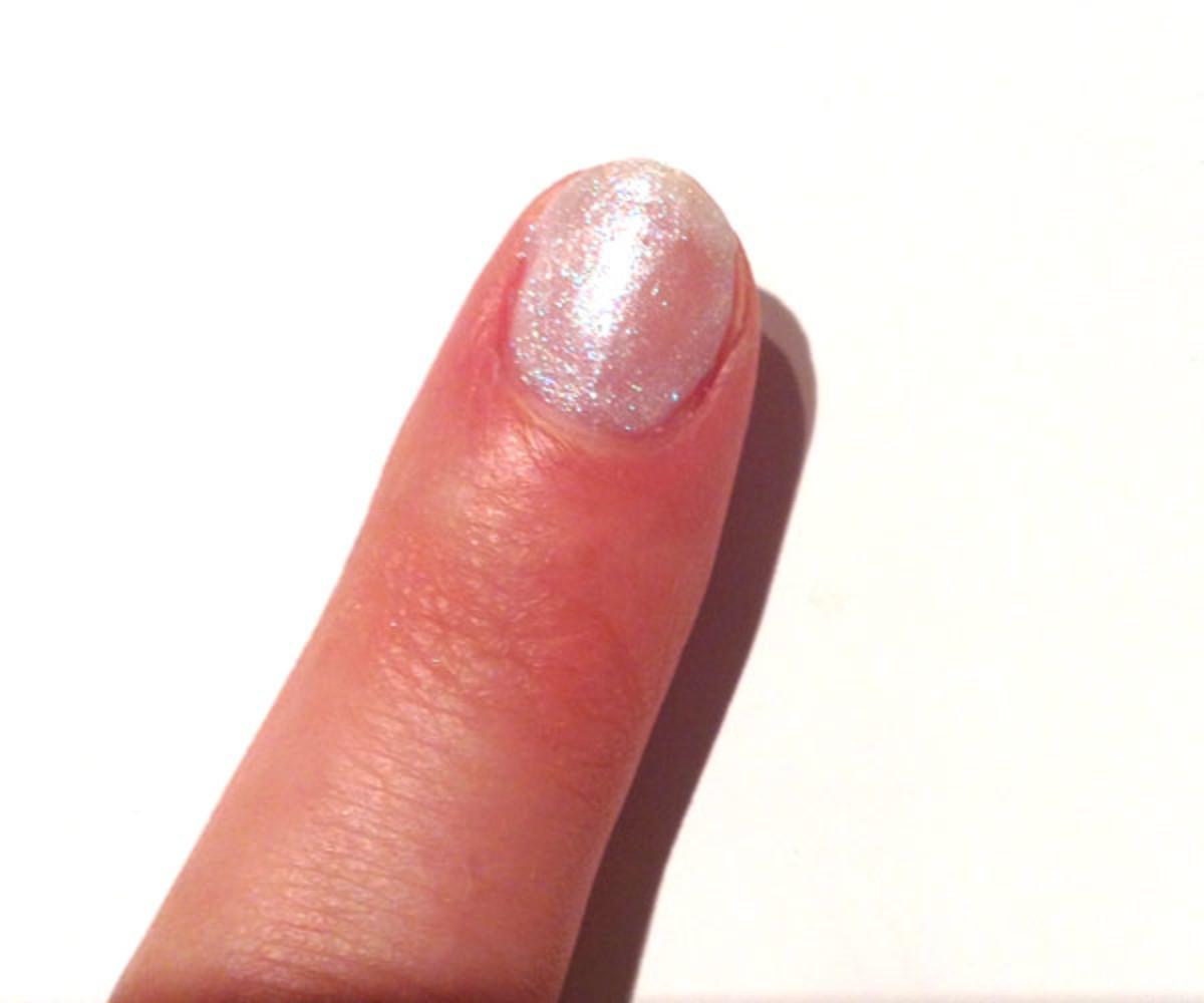Guerlain La Laque Couleur Colour Lacquer in 862 Star Dust (on nails)