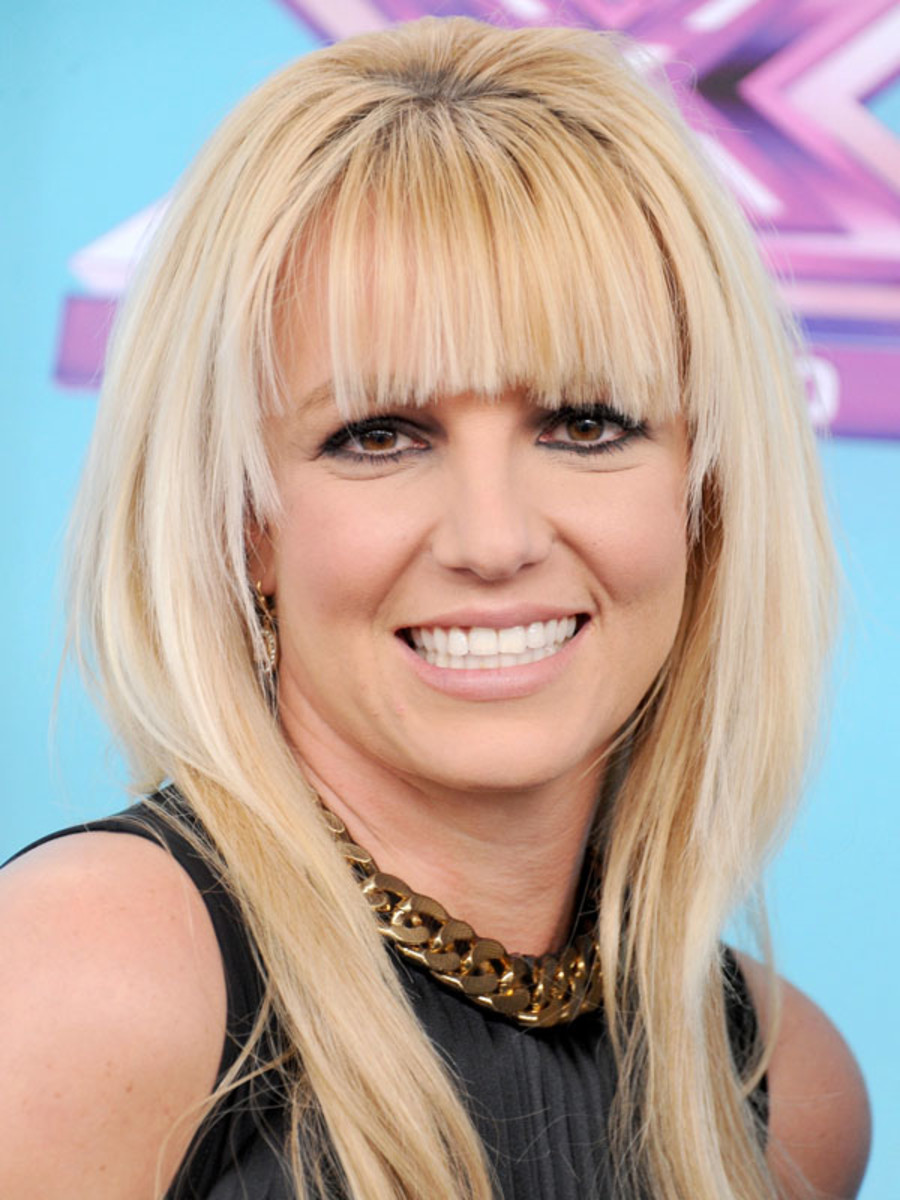Britney Spears oval face bangs