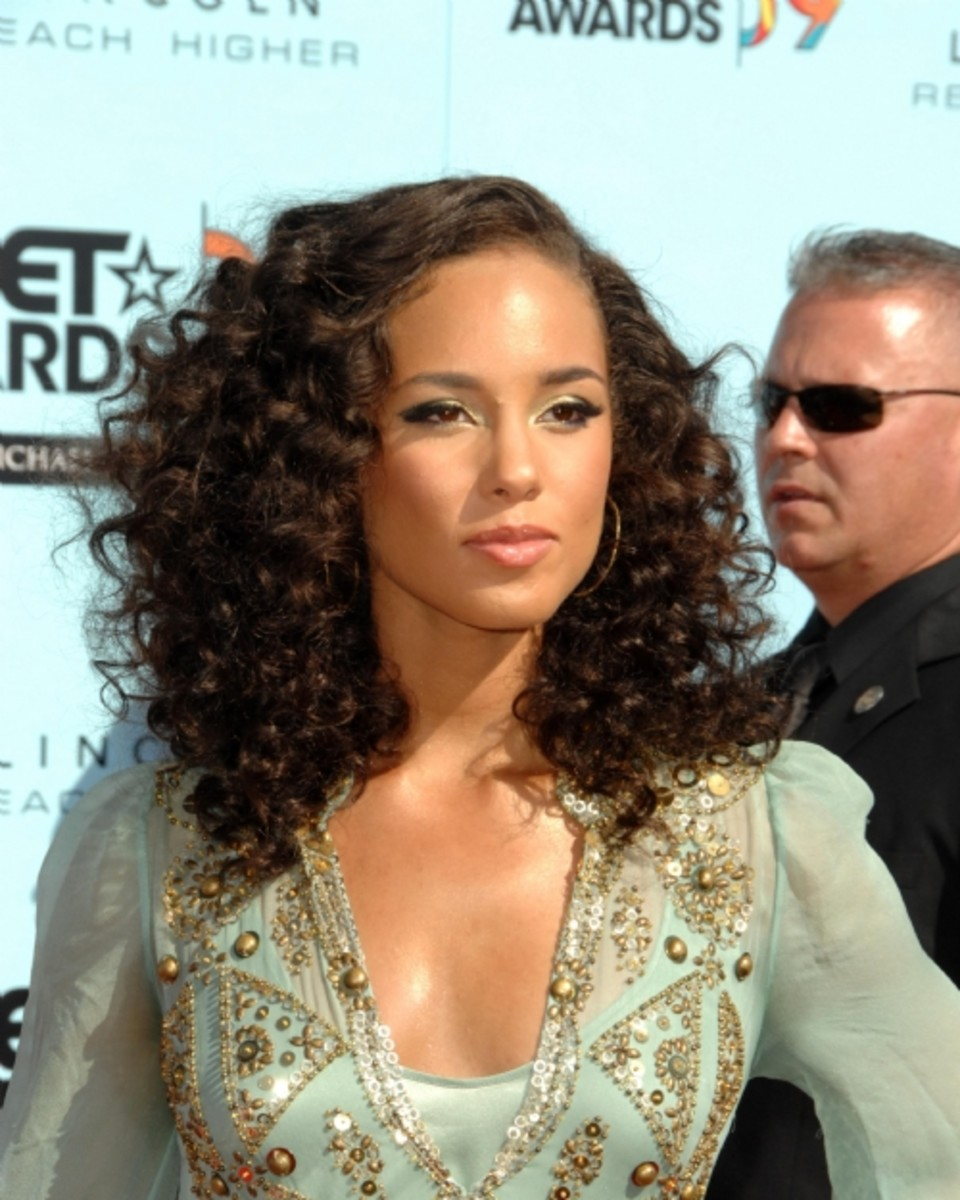 Alicia-Keys-curls