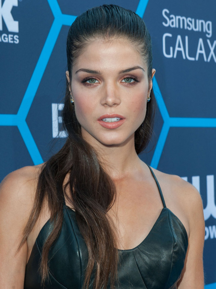Marie Avgeropoulos, Young Hollywood Awards, 2014