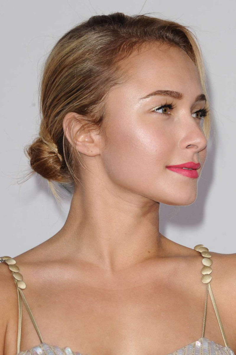 How to wear shimmer and glitter the grown up way beautyeditor hayden panettiere shimmer ccuart Images