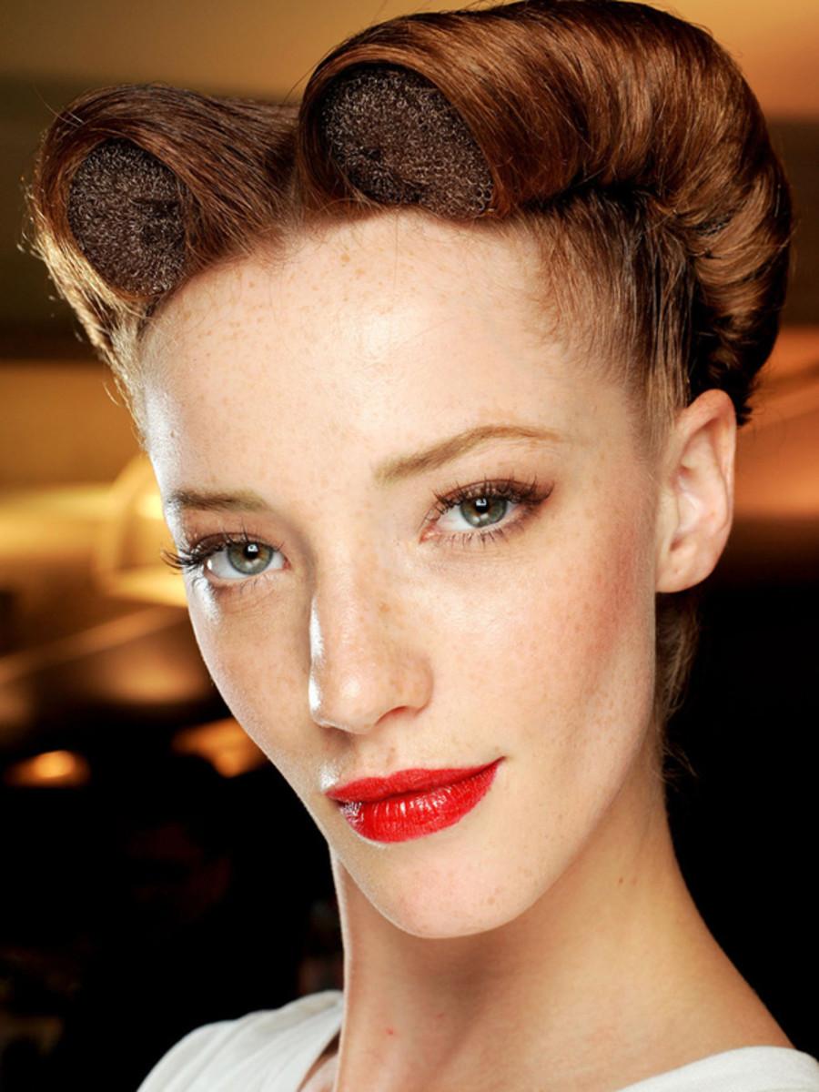 Jean-Paul-Gaultier-Spring-2012-lipstick