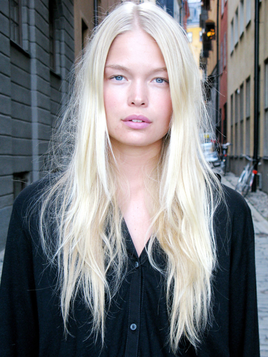 How to Touch Up Platinum Blonde Hair at Home - Beautyeditor