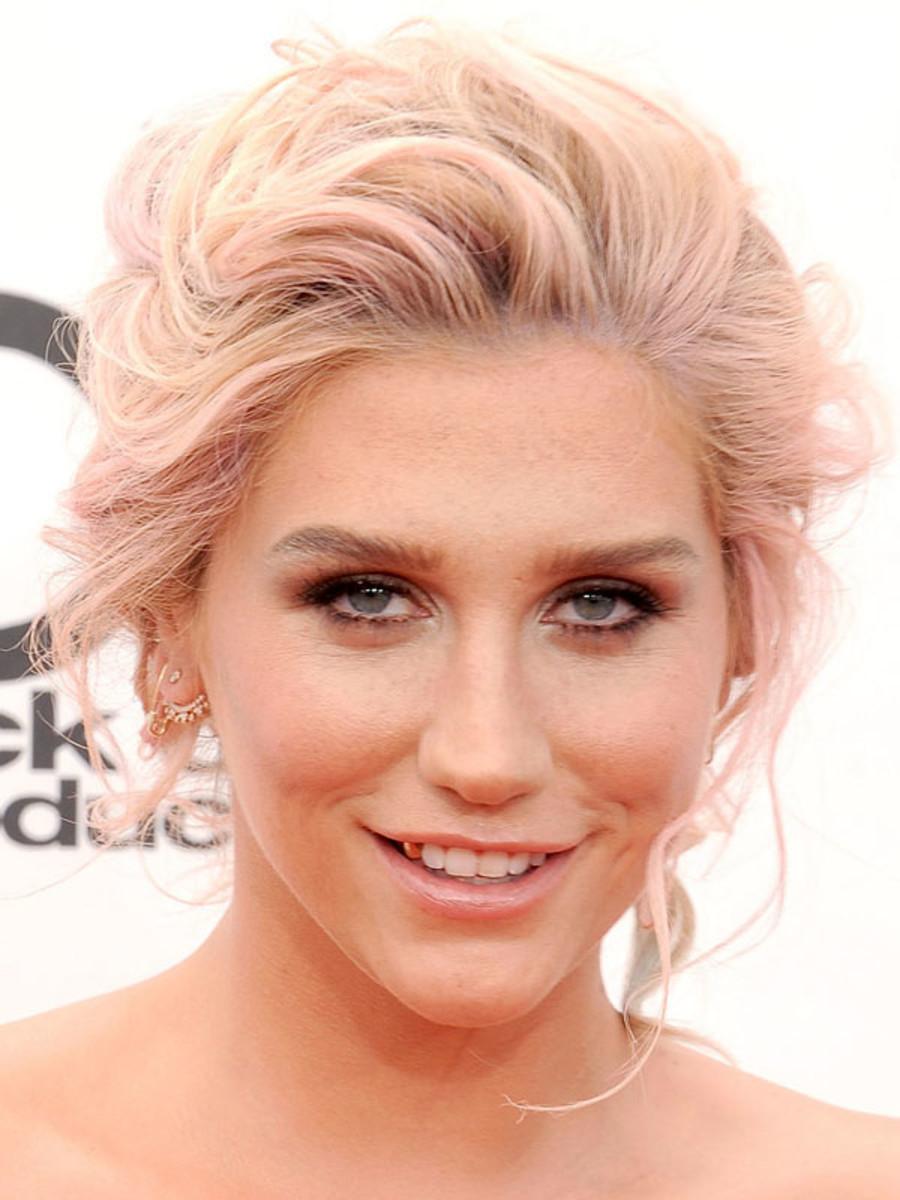 Kesha, Billboard Music Awards, 2014