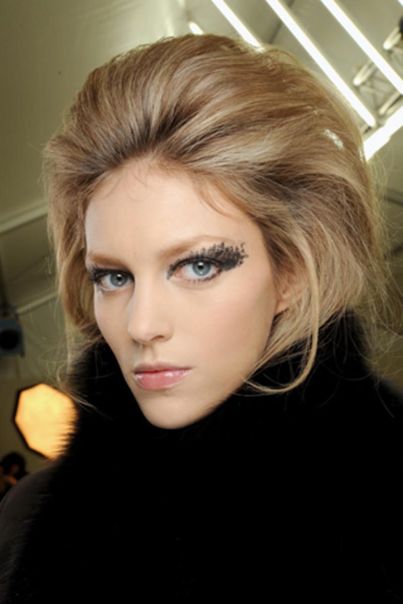 Chanel-Fall-2010-hair