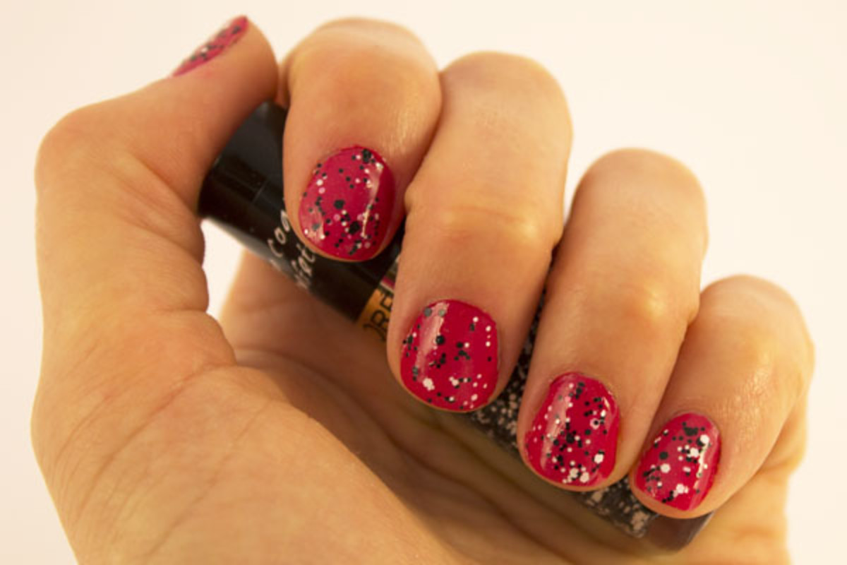 L'Oreal Paris Colour Riche Top Coat in Sparklicious