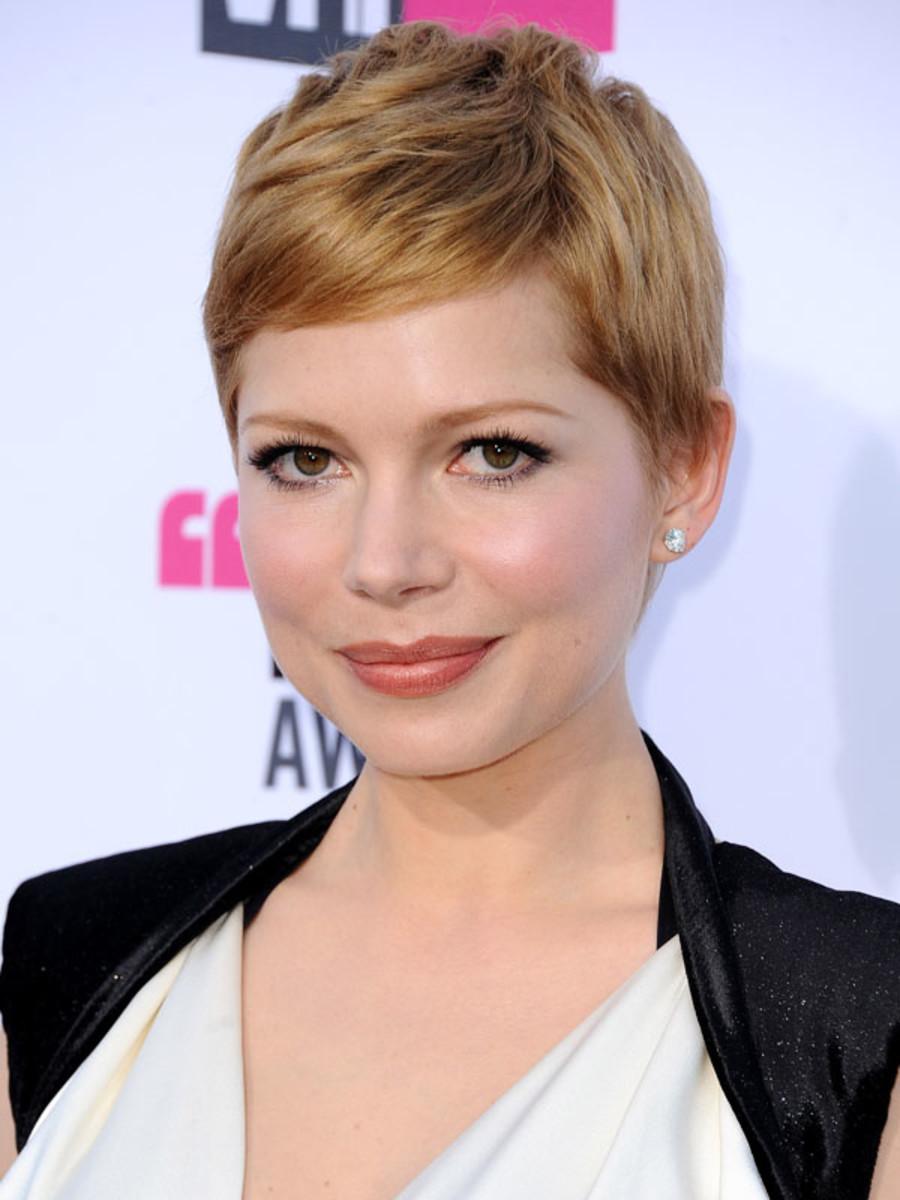 Critics-Choice-Awards-2012-Michelle-Williams-2