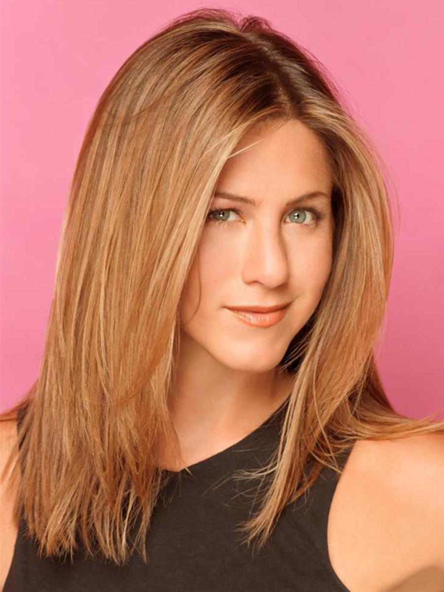 Jennifer Aniston - mid-length hair