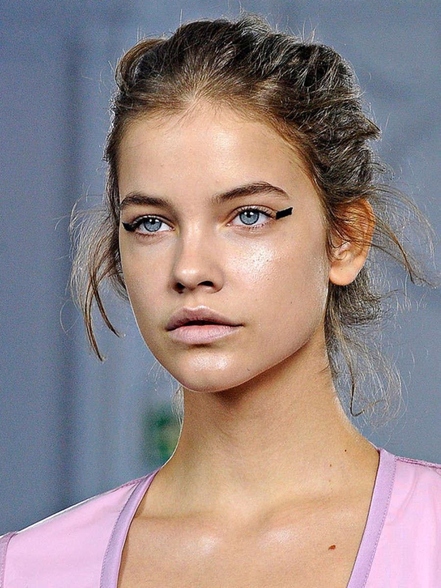 Richard-Nicoll-Spring-2012-beauty