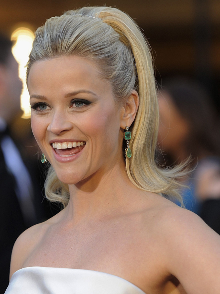 Reese-Witherspoon-2011-Oscars