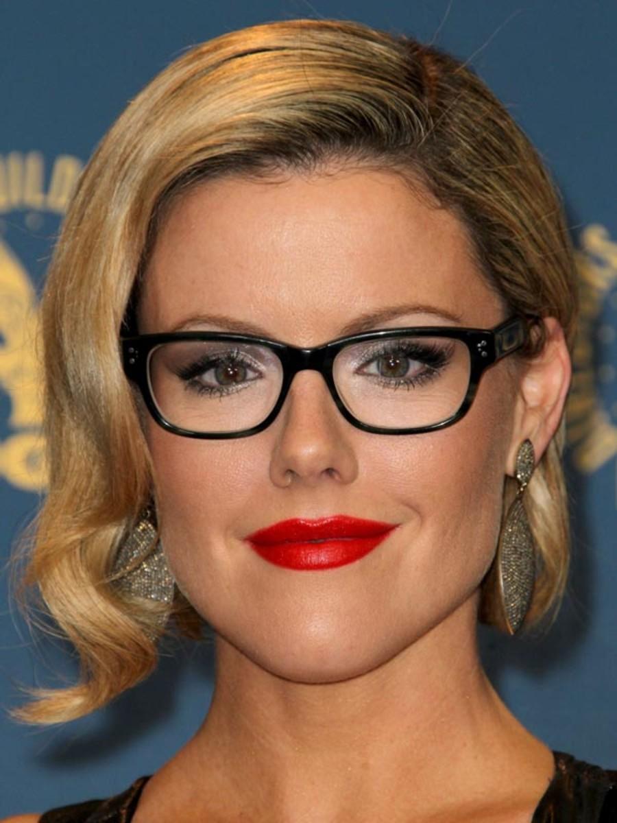 Kathleen Robertson glasses