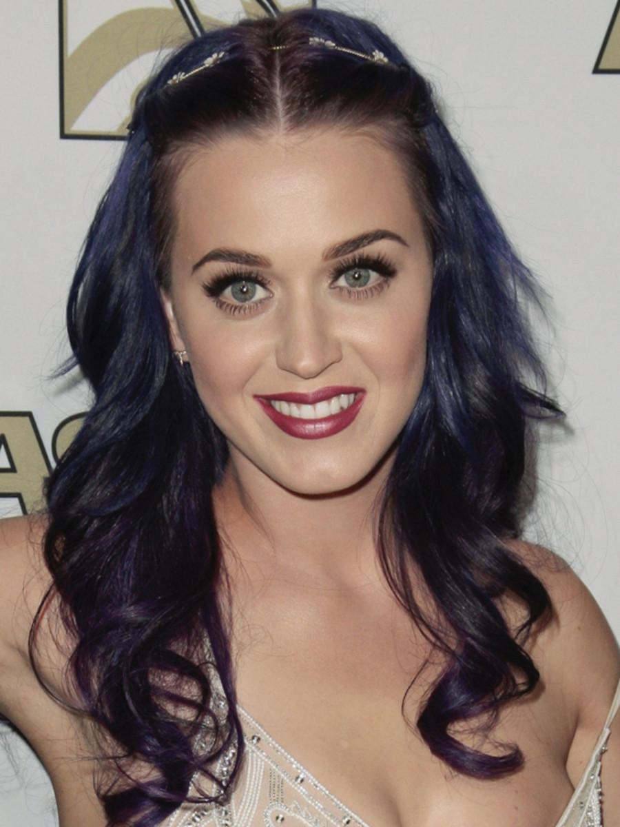 Katy-Perry-purple-hair-2