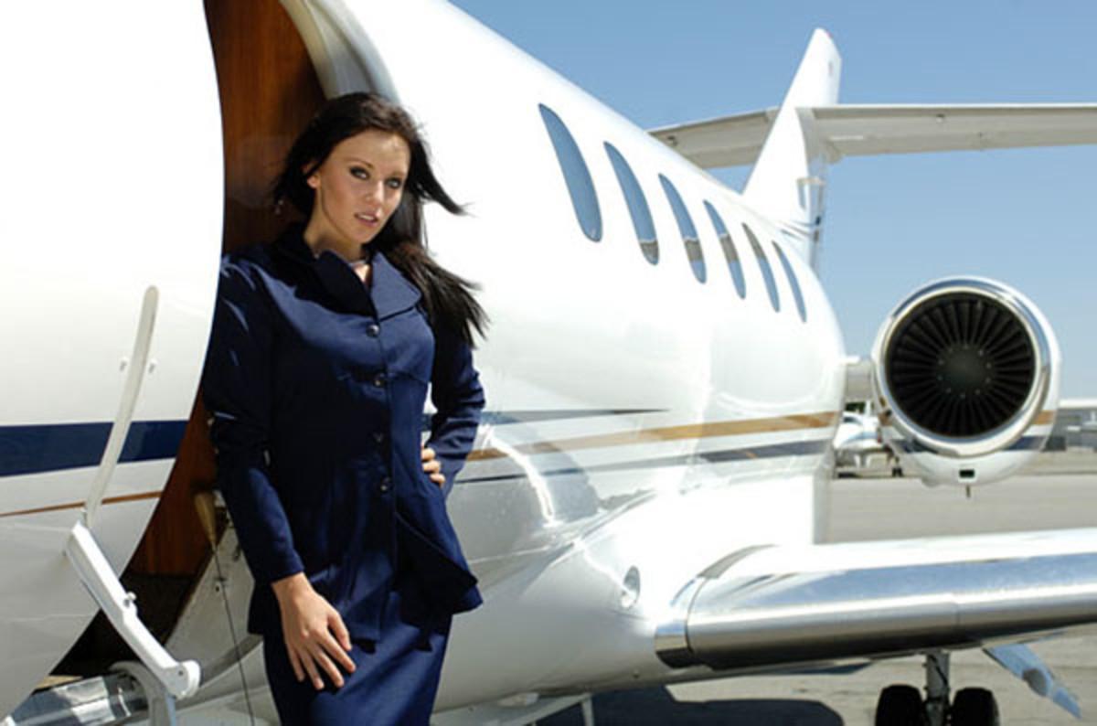 girl-private-jet-service