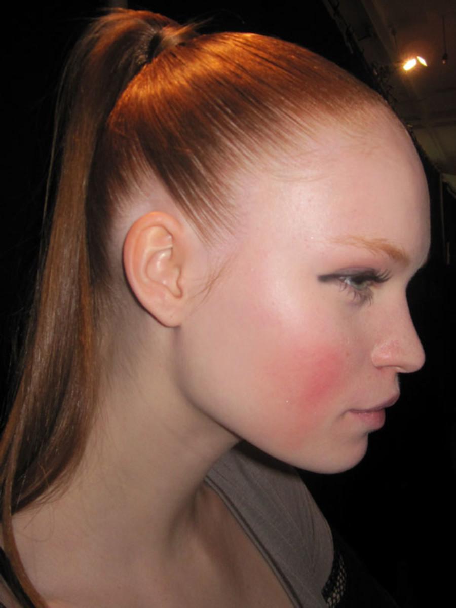 Marc-Jacobs-Fall-2011-beauty