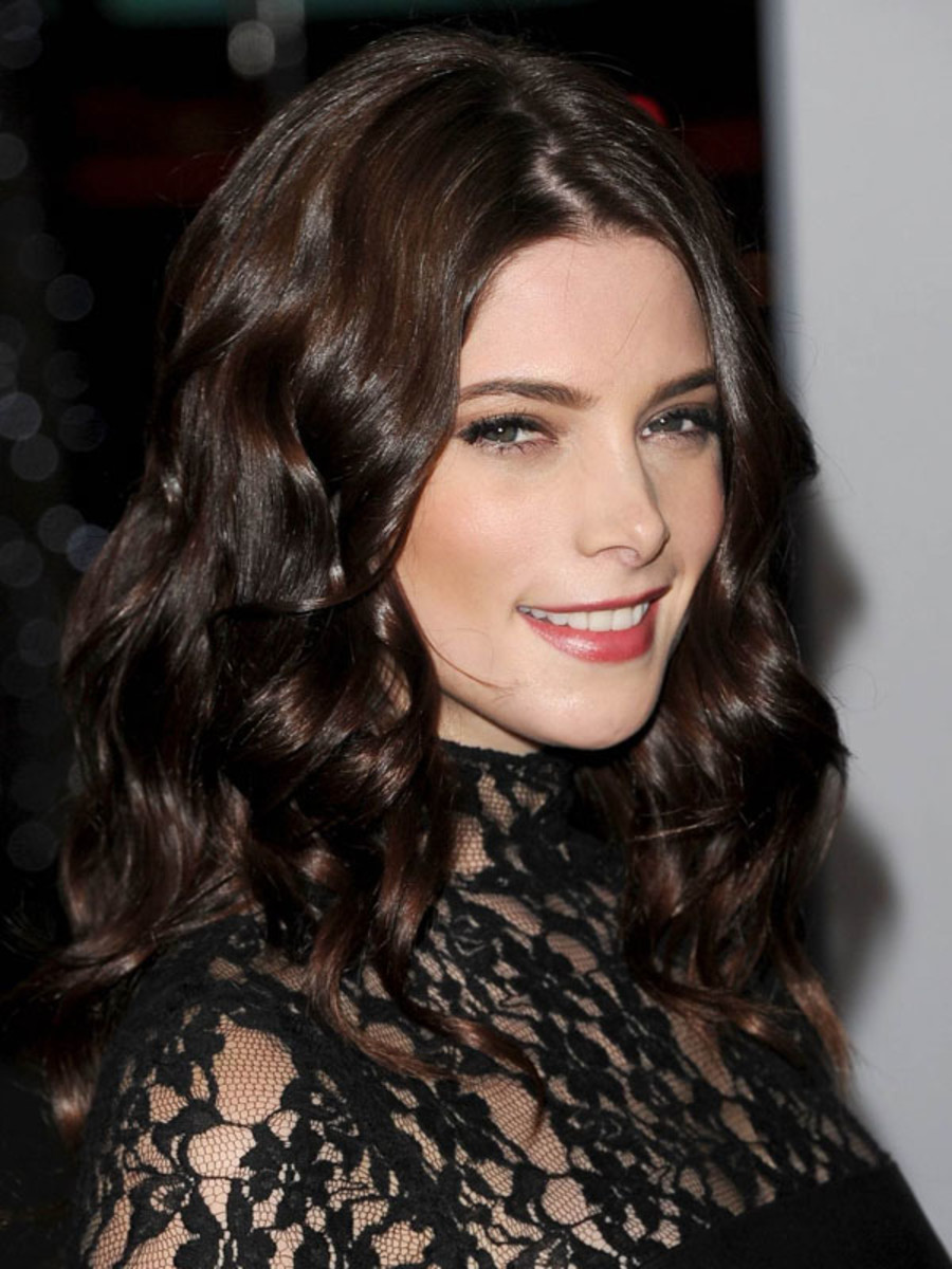 Peoples-Choice-Awards-2012-Ashley-Greene
