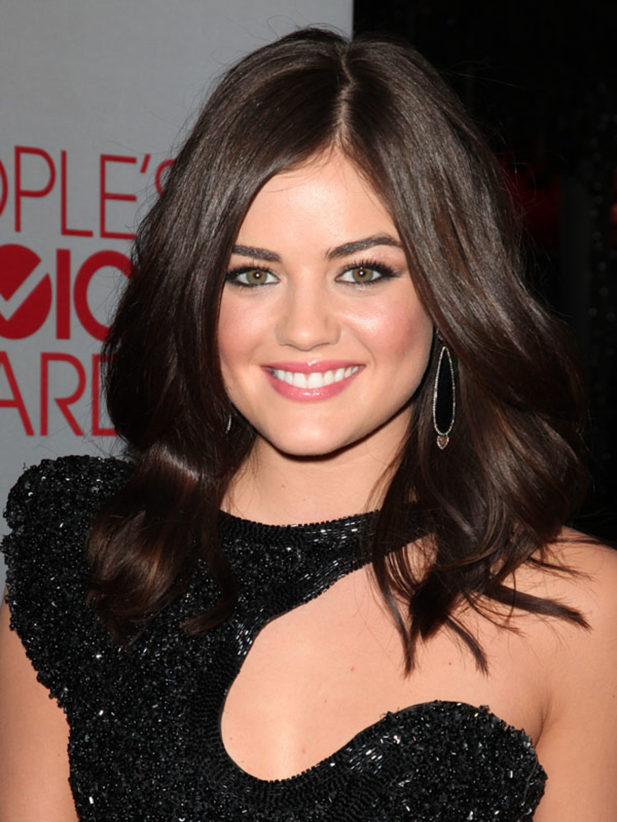 Peoples-Choice-Awards-2012-Lucy-Hale